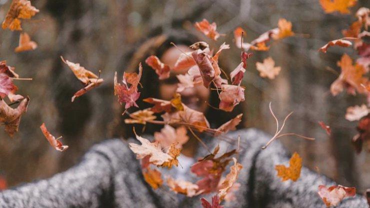 Předpověď na listopad: Sluníčka se nedočkáme, ale bude sněžit a počasí jak na centrifúze
