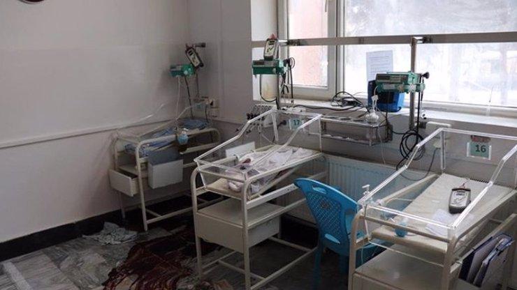 Brutální krveprolití v porodnici: Útočníci stříleli do právě rodících žen a do miminek