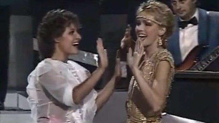 Retro eXtra: Helča a Jitka jako dvě vilné bohyně, mrkejte na Vondráčkovou, jak jí to ve zlaté slušelo!