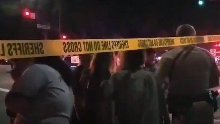 Dvanáct lidí schytalo kulku a zemřelo. Jatka v baru rozpoutal bývalý mariňák