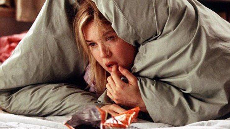 Chce to klid a nohy v teple: 18 důvodů, proč je úplně v pohodě zůstat v pátek večer doma
