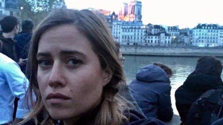 Emma Smetana poprvé o selfie s hořící katedrálou: PSYCHICKÉ POTÍŽE a TRESTNÍ OZNÁMENÍ