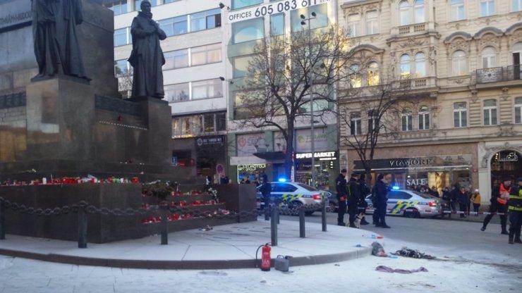 Na Václaváku hořel muž (54), zapálil se sám! Pouhý den před výročím smrti Palacha