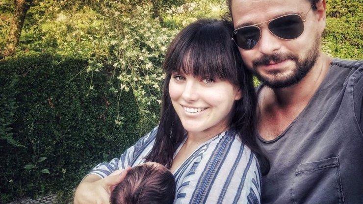 První fotka celé rodinky: Měsíc po porodu se Ewa Farna konečně pochlubila!