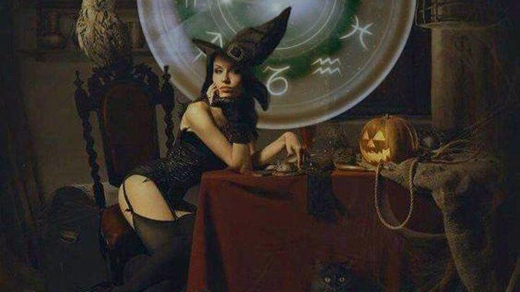 Skončíte po halloweenské party v něčí posteli? Váha jako čarodejnice očaruje krále zombíků Lva