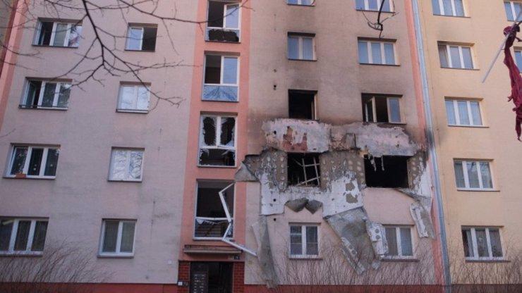 Foto hrůzy: Uvnitř ostravského bytu hořeli lidé, řada zraněných