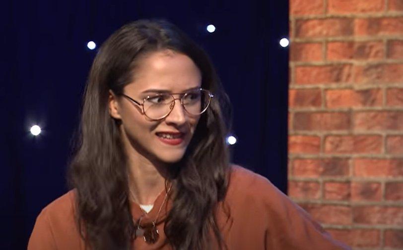Delfín Adolfeen přichází s krutopřísnou talkshow: Nekorektní humor a vyplašená Eva Burešová