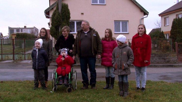 VÝMĚNA MANŽELEK SE ZVRHLA: Táta od 16 dětí chtěl údajně šmírovat náhradní manželku Marcelu