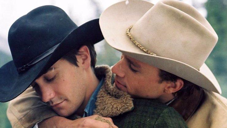 Jake Gyllenhaal vzpomíná na natáčení milostných scén ve Zkrocené hoře: Občas to bylo nepříjemné