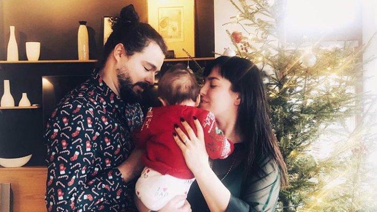 První Vánoce v roli maminky: Ewa Farna ukázala roztomilého synka Artura