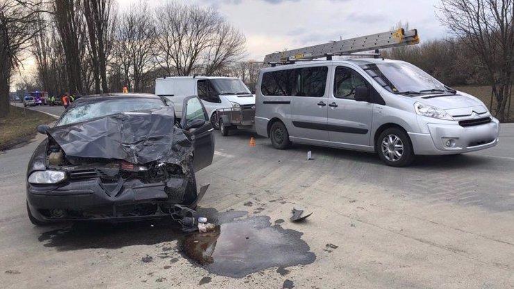 Smrtelná nehoda u Olomouce: Vyhasly dva dětské životy, tři lidé jsou v nemocnici