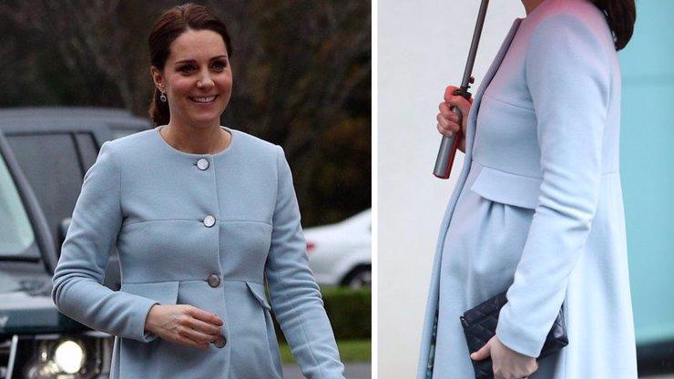 Vévodkyně Kate předvedla těhotenské bříško: Třetí princátko porodí už za pár týdnů