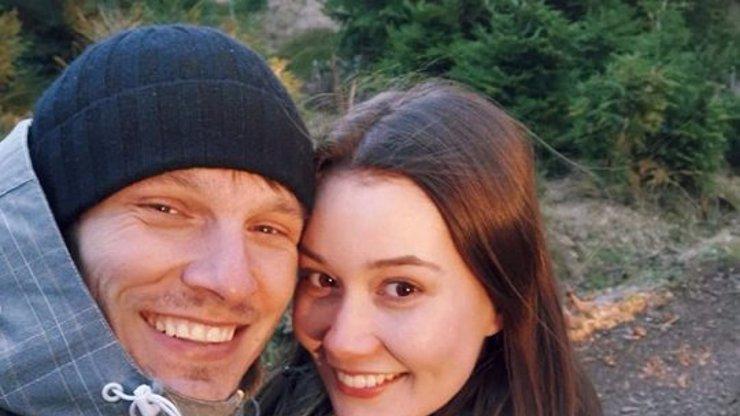 Umělecký pár je minulostí: Zpěvák Pavel Callta oznámil rozchod se Sabinou Rojkovou