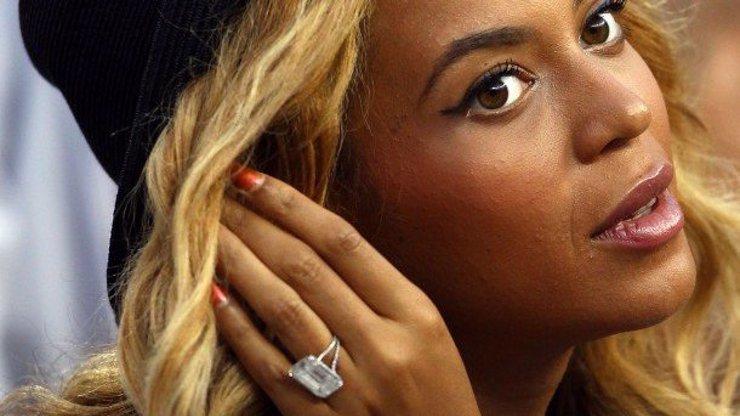 10 nejdražších snubních prstenů: Tyhle slavné ženy nosí na rukou miliony!