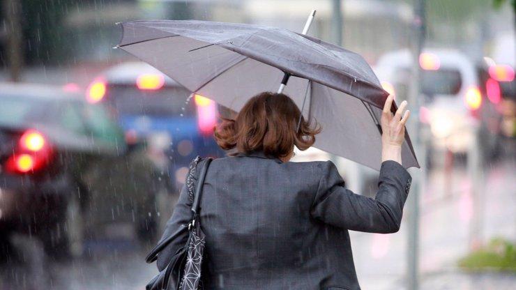 Týdenní předpověď počasí: Bouřky a deště si nedají pokoj. Jak to bude s teplotami?