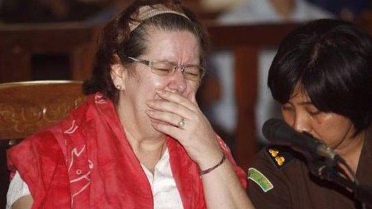 Anglická babička pašovala kokain a teď za to zaplatí životem!