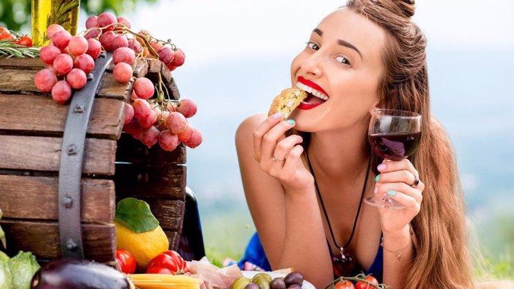 Chcete zhubnout do plavek? 5 diet, které vám vyrýsují postavu