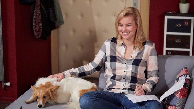 V seriálu Ulice si zahraje pes Patricie Solaříkové! Jak Jackie zvládne svou úlohu? VIDEO