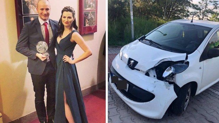 KRMENČÍKOVO AUTO BOURALO: Řidič zmizel! K nehodě se přihlásila těhotná manželka