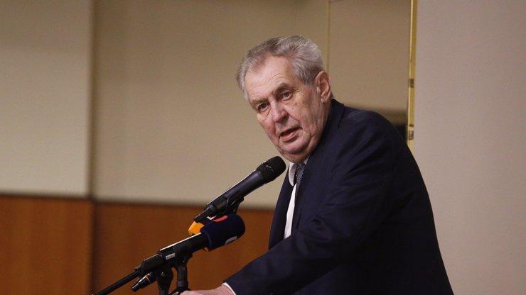 Miloš Zeman byl očkován proti covidu: Prezident zůstane dva dny v nemocnici