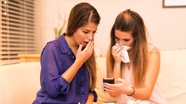 Mobilní telefon je rezervoár virů! Jak s ním zacházet v kritické době? Rady viroložky
