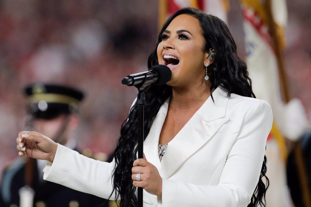 Drogy jsou minulostí: Bývalá narkomanka Demi Lovato se ukázala bez make-upu