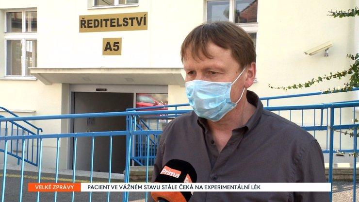 Lék pro koronavirem nakaženého taxikáře ještě nedorazil: Selhávají mu ledviny