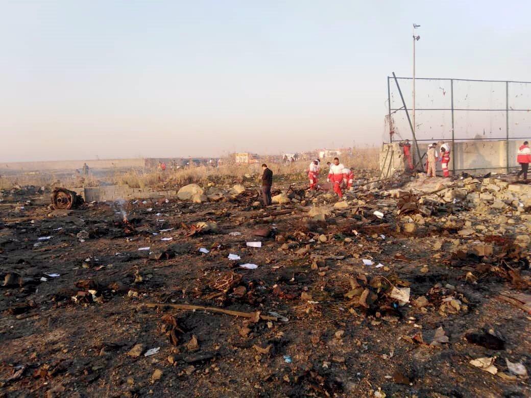 Šlo o sestřelení? Při pádu letadla zemřelo 176 lidí, Írán odmítá vydat černou skříňku