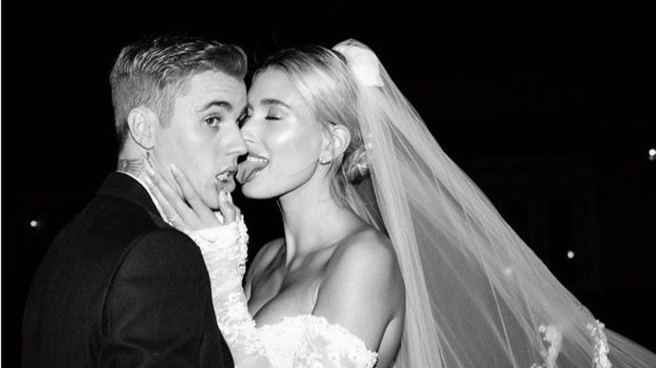 Hailey vzpomíná na pohádkový den: Utajované fotky ze svatby Justina Biebera