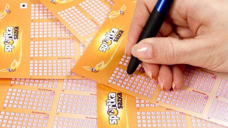 Muž z Ústí vyhrál 192 milionů: Po měsíci si přišel pro výhru, peníze začal rozdávat