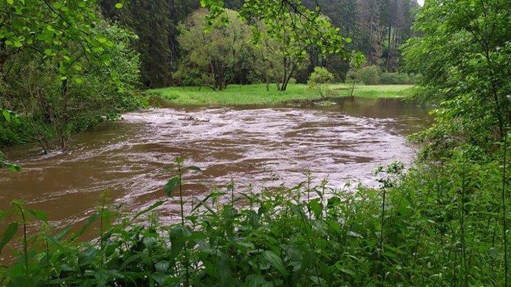 Devátá oběť povodní v Česku: Hledanou stařenku policisté nalezli až po dvou týdnech