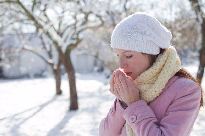Blíží se tuhá zima? K Evropě se žene polární vír, varují meteorologové
