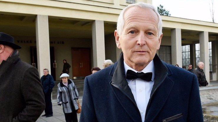 Kardiochirurg Jan Pirk, který kritizoval vládu: Oznámili mu, že končí. Zaskočilo mě to, řekl eXtra.cz