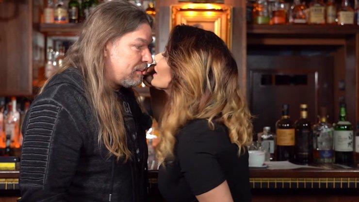 Extra Host Petr Kolář: V 52 letech ho krásná Eva Decastelo (41) naučila znovu líbat