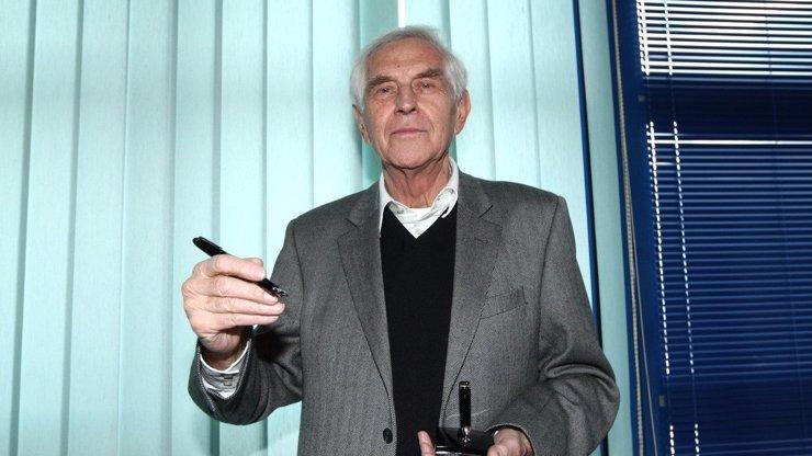 Talentovaný scenárista Jiří Hubač (†82) měl talent od Boha: Hercům psal role přímo na tělo