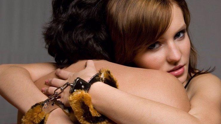 Éterické přetínání pout: Víme, jak se zbavit strachu a citové závislosti na druhém člověku!