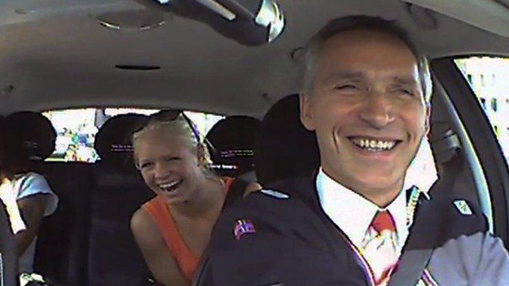 To jsou tedy věci! Norský premiér tajně jezdí taxíkem, aby zjistil, co si myslí normální lidé