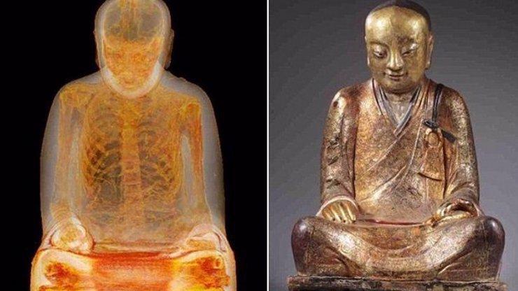 To musela být krutá smrt: Vědci našli tělo mnicha v soše a ještě navíc se záhadnými nápisy!