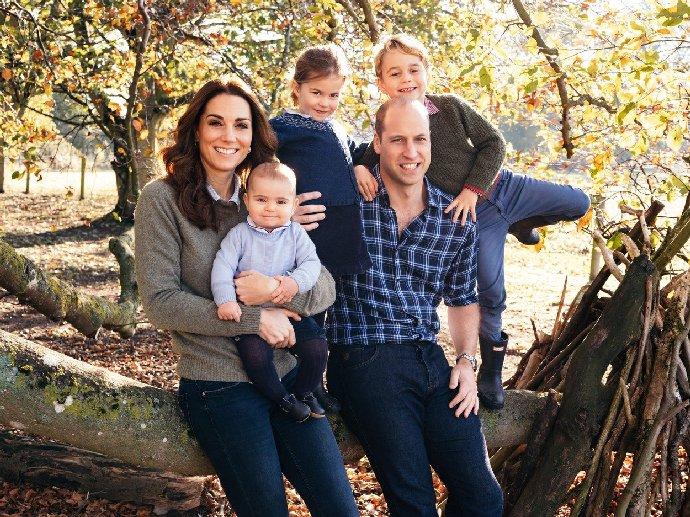 Bratr vévodkyně Kate se oženil. Na Azurovém pobřeží si vzal tuto éterickou blondýnku