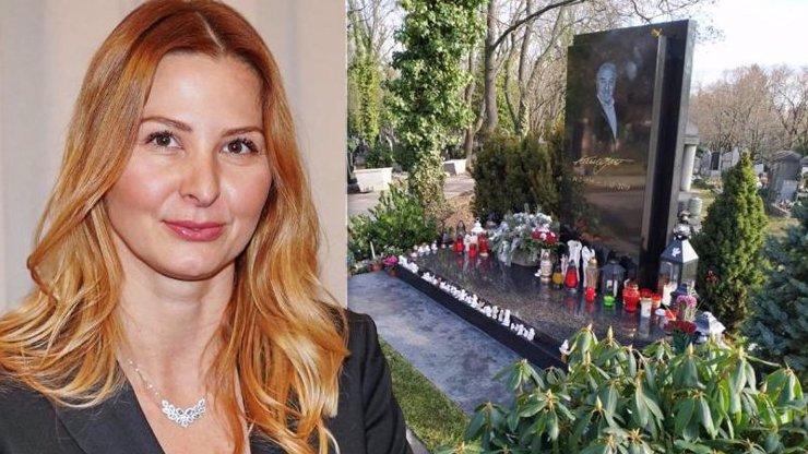 Ivana bouchla do stolu: Na hrob Karla Gotta nenoste dopisy a naučte se zapalovat svíčky