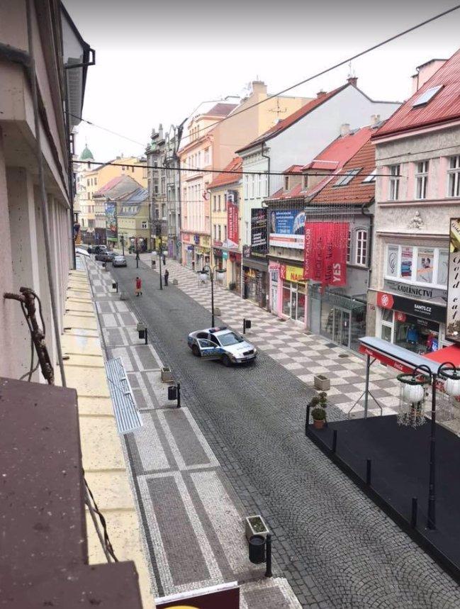 V Teplicích vykradli klenotnictví: Policie pobíhala kolem se samopaly, lupiči byli dávno v čudu!