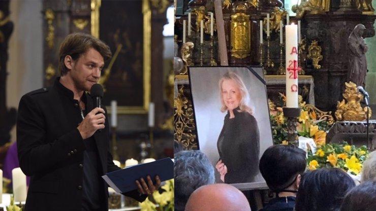 Vojta Dyk na pohřbu promluvil o dohodě s Evou Pilarovou (†80): Připrav se, špitla mu