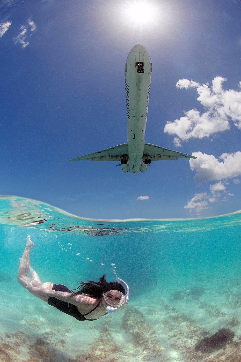 5 cool fotek z ostrova Svatý Martin. Místa, kde letadla přistávají tak nízko, že se jich můžete