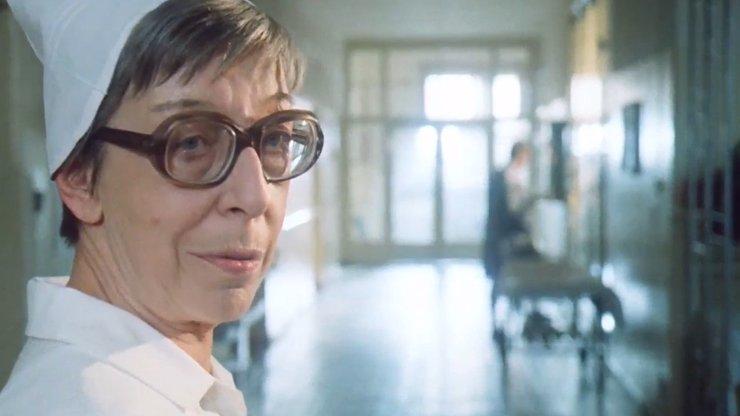 Přísná učitelka i vražedkyně: 15 snímků ze slavných rolí zesnulé Aleny Karešové