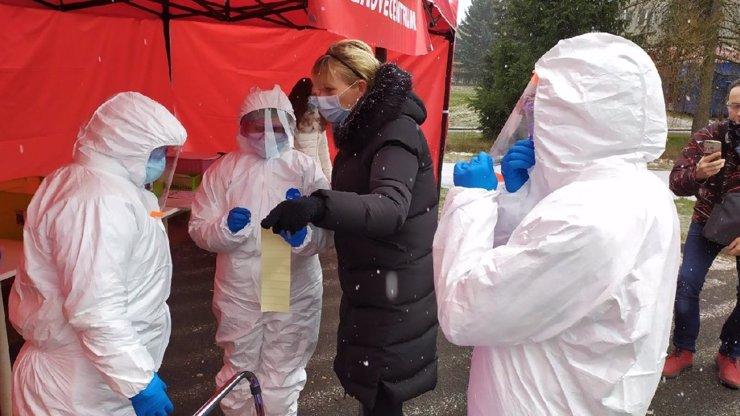 Zadek prozradí víc než nos: Revoluce v testování na koronavirus!