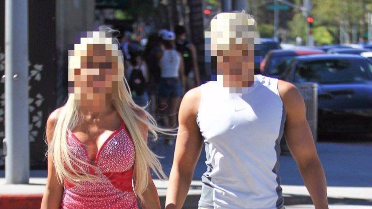 Z TÉTO PODOBY AŽ MRAZÍ! Barbie a Ken si vyšli do ulic. Opravdu nejde o plastové figurky!