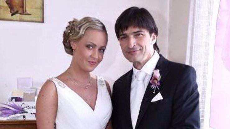 Strašlivý omyl: Podhůrský se oženil a byly u toho kamery! Proboha, to neví, že je to záletník?