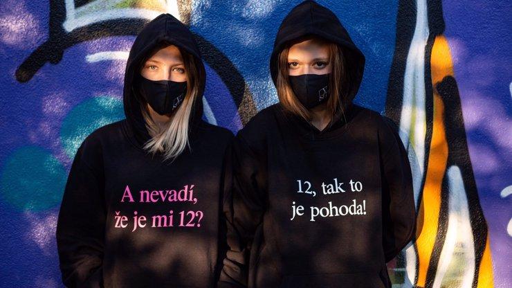Merch k dokumentu V síti pobouřil Česko: Nepřítele nejlépe odzbrojíte, když ho zesměšníte, tvrdí Klusák