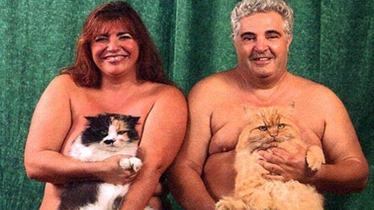 To se posmějete: Mrkněte na 15 extrémně trapných rodinných fotografií lidí se zvířátky