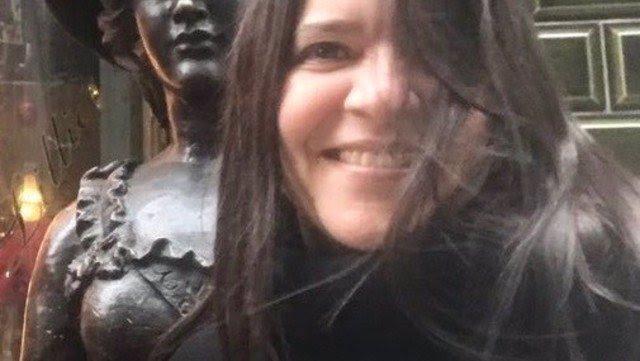 Profesorka nakažená koronavirem zkolabovala při online výuce: Zemřela studentům před očima